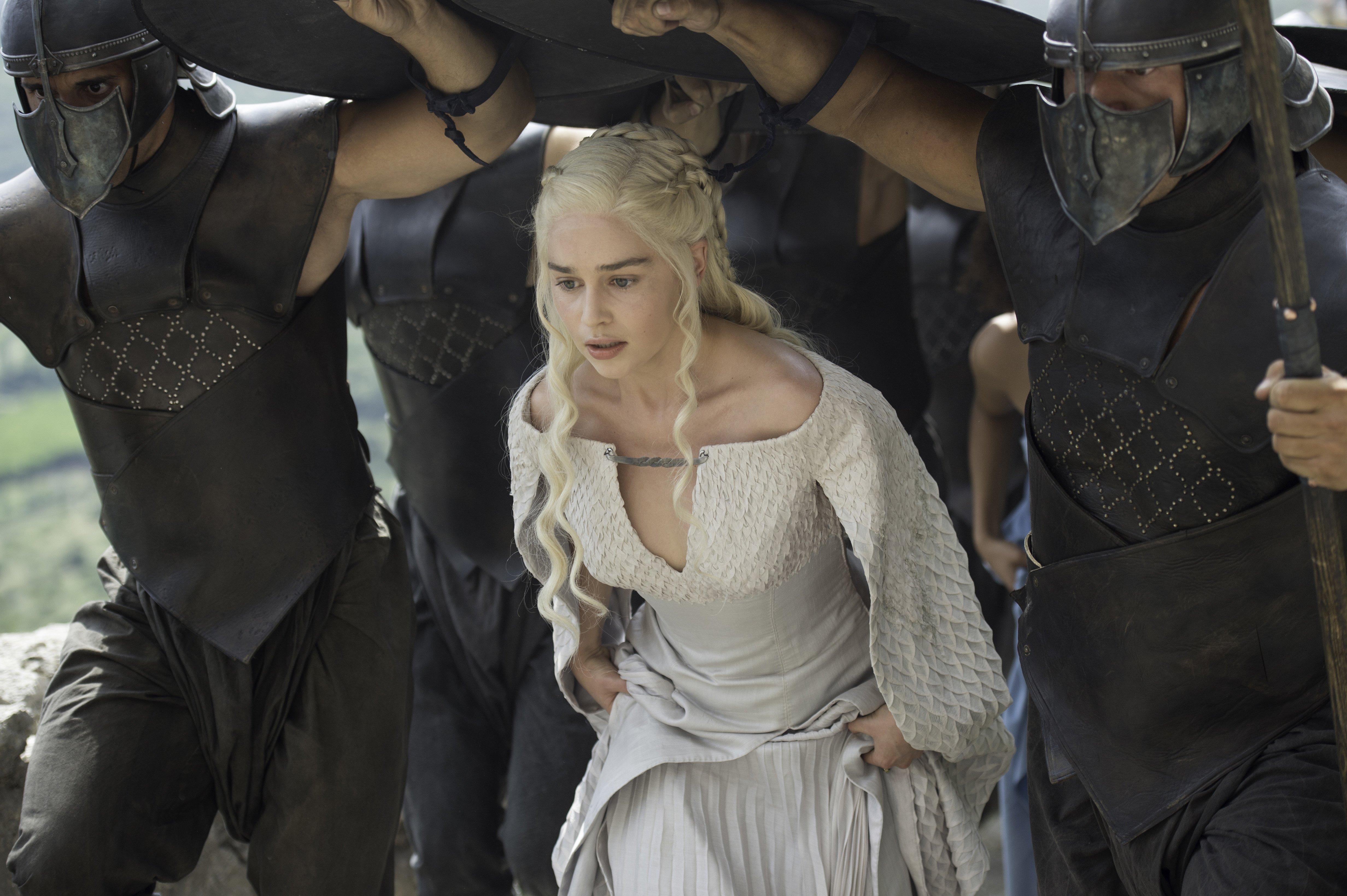 Daenerys targaryen and khal drogo wallpaper daenerys targaryen wedding - The 25 Best Daenerys Targaryen Wiki Ideas On Pinterest Asoiaf Wiki Daenerys Targaryen Title And Daenerys Targaryen Dragons Names