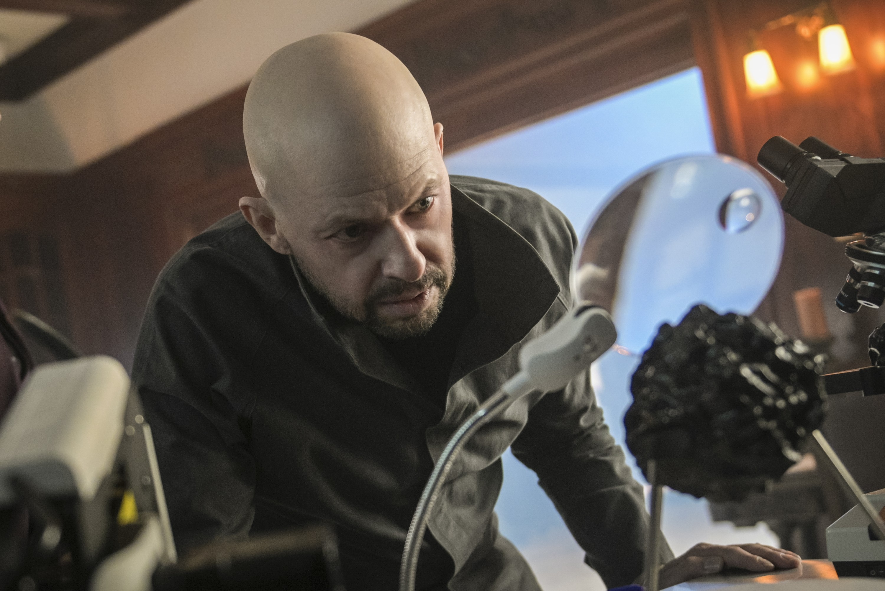 SUPERGIRL: Lex Luthor Unleashes His Secret Weapon In The New Promo