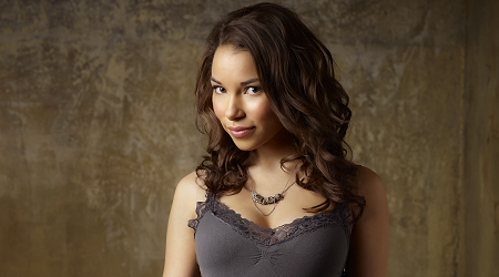 Jessica Parker Kennedy photos
